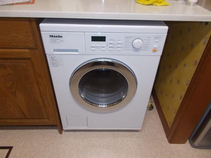 2017/11/28 千葉県習志野市 洗濯乾燥機交換工事(ミーレ:WT2780WPM)