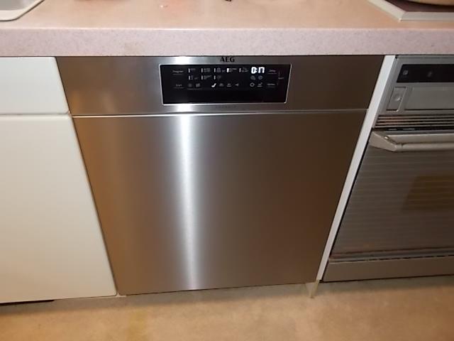 2020/11/24 千葉県市川市 バンクネヒト食洗機からAEG食洗機(FEE93810PM)への交換工事