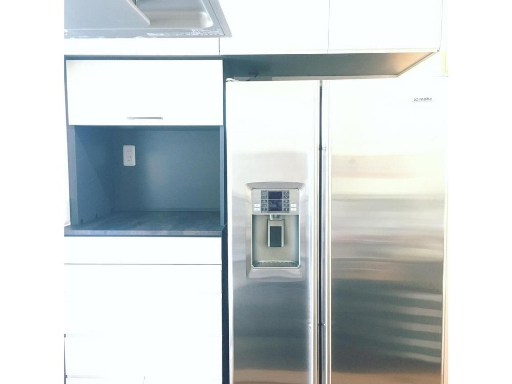 2020/12/25 東京都世田谷区 mabe冷凍冷蔵庫(ORE24VGSS)への交換工事(特殊搬入:クレーン使用)